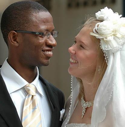 Брак с иностранцем : плюсы и минусы